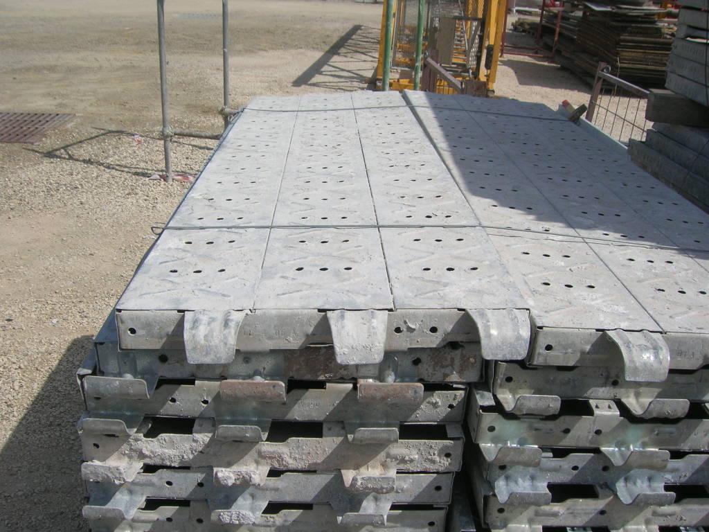 Piani di lavoro metallici fracasso lunghezza 1800mm ceer for Piani di officina distaccati